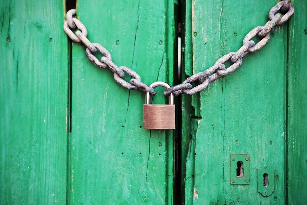 Image_door-green-closed-lock_pexels.jpg
